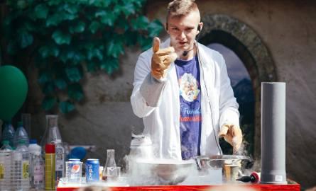 """Wczoraj po raz ósmy wystartował Bydgoski Festiwal Nauki. """"Złap bakcyla nauki"""" - to hasło festiwalu organizowanego przez środowiska akademickie i pozauczelniane."""