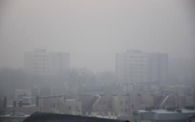 Przed tygodniem smog wisiał nad miastami w całym regionie. W wielu miejscach normy jakości powietrza były wielokrotnie przekroczone. W takie dni lepiej