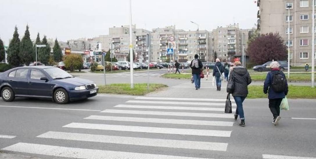 Światła będą wzbudzane przez podchodzących do  przejścia pieszych, którzy będą musieli nacisnąć guzik i poczekać na zielone.Oprócz sygnalizacji powstanie