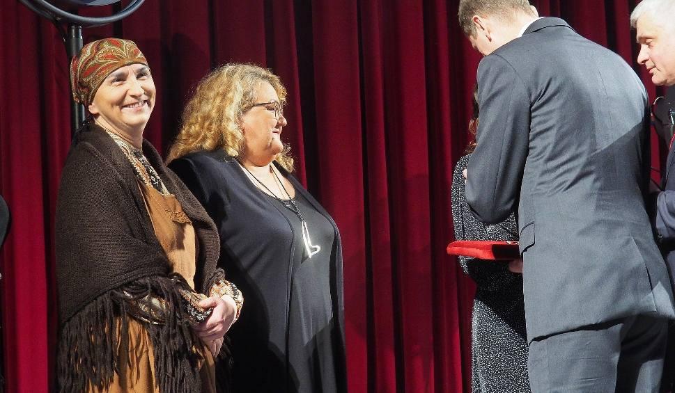 Film do artykułu: Teatr Dramatyczny świętował jubileusz 75-lecia. Zobacz, kto dostał medale i odznaczenia (zdjęcia, wideo)