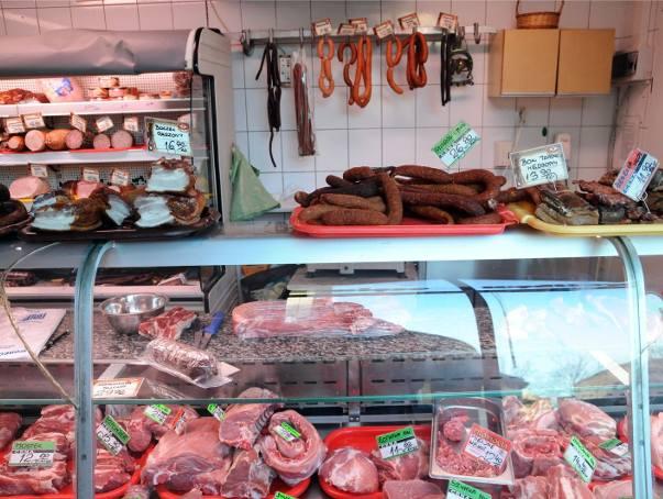 Nasi Czytelnicy skarżą się na rosnące ceny mięsa. Od dawna drożeje wieprzowina, a wśród niej najpopularniejszy, polski schab. Niestety, w górę idą także
