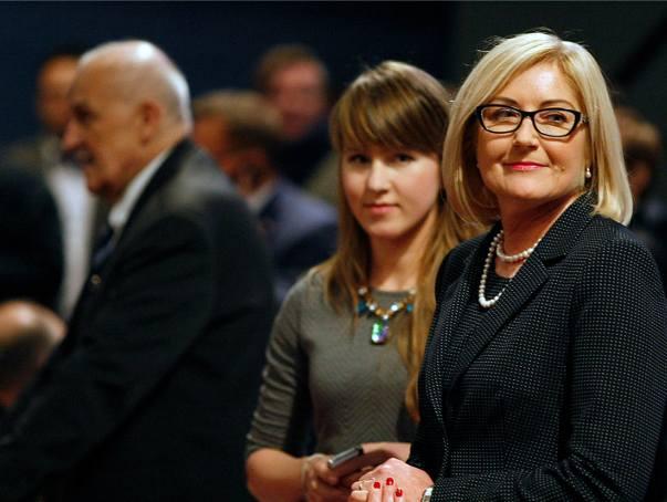 Marta Grzeszczyk (po lewej), nie jest już dyrektorką biura Joanny Kopcińskiej.
