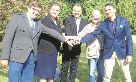 Odpowiedzialni za akcję - od lewej Ireneusz Nitkiewcz, Anna Mackiewicz, Marcin Heymann, Karol Dąbrowski i Maciej Wojtczak.