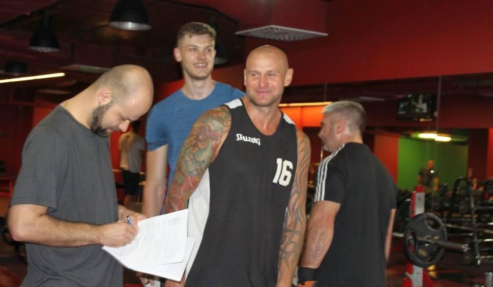 Film do artykułu: (WIDEO, ZDJĘCIA) Koszykarze Hydrotrucku trenowali pierwszy dzień po urlopach!