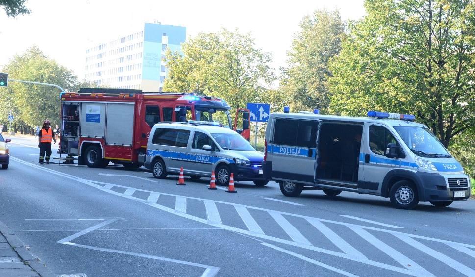Film do artykułu: Wypadek śmiertelny na ulicy 11 Listopada w Radomiu. Pieszy zginął po kołami ciężarówki!