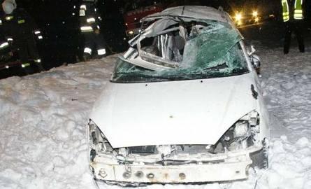 W makabrycznym wypadku na trasie Ostrów Mazowiecka - Białystok zginęli matka i syn (zdjęcia)