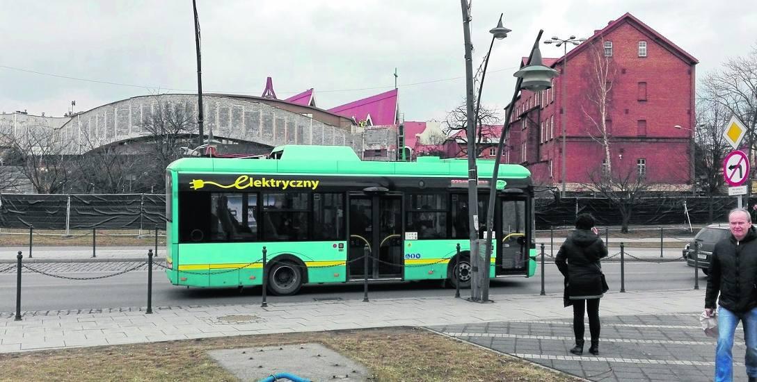 Autobusy elektryczne wykonują 50 procent codziennych kursów w Jaworznie. Obecnie na ulicach jest ich 24, będą kolejne.