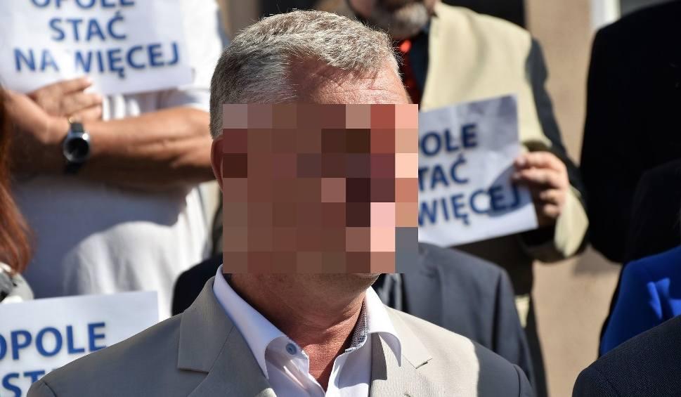Film do artykułu: Koledzy chcą odwołać Arkadiusza Sz. z prezydium rady miasta Opola. Violetta Porowska mówi, czemu późno usunięto go z klubu PiS