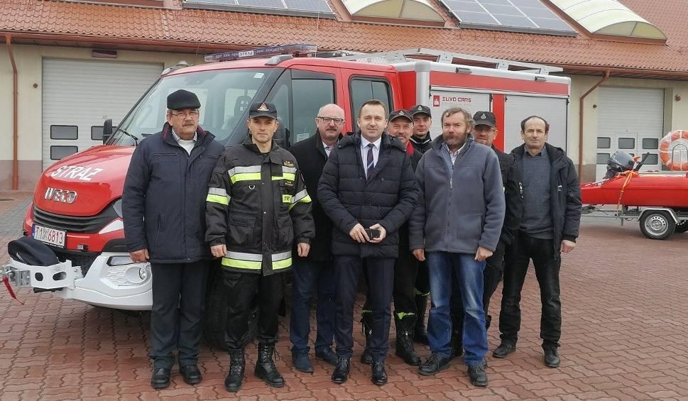 Film do artykułu: Nowy sprzęt za 370 tysięcy złotych - dla strażaków ochotników z Grzymały i Wójczy [ZDJĘCIA]