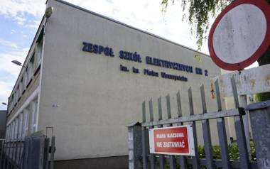 Zbigniew A. został zatrzymany w czerwcu 2018 roku jako urzędujący dyrektor Zespołu Szkół Elektrycznych nr 2 w Poznaniu. Zarzucono mu molestowanie uczennic,