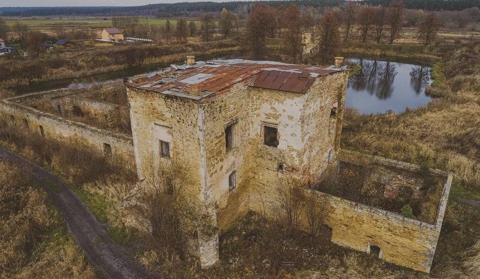 Film do artykułu: Strefa Opuszczona (1). Ruiny zamku w Ćmielowie (WIDEO, zdjęcia)