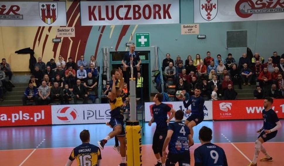 Film do artykułu: Stal Nysa i Mickiewicz Kluczbork grają u siebie, a Uni Opole w stolicy