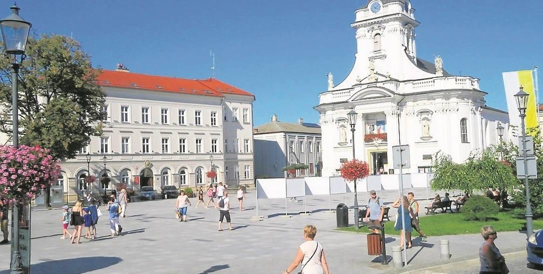 W Urzędzie Miasta w Wadowicach, na początku września, urzędnicy szczegółowo zaprezentują 12 projektów, na które można głosować. Wtedy też podany zostanie