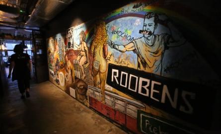 Roobens z Bytomia namalował mural w Katowicach. Zobaczycie go na ścianie w Aioli na rynku ZDJĘCIA