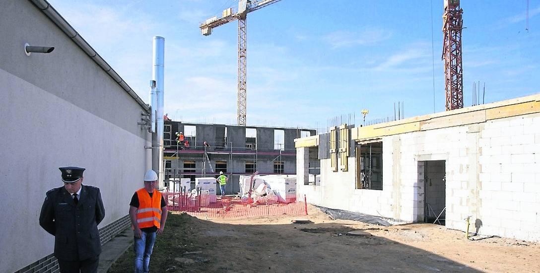 Rozbudowa stargardzkiego więzienia ma poprawić warunki osadzonym, także pełniącym służbę funkcjonariuszom i pracownikom cywilnym. Etap I ma potrwać rok