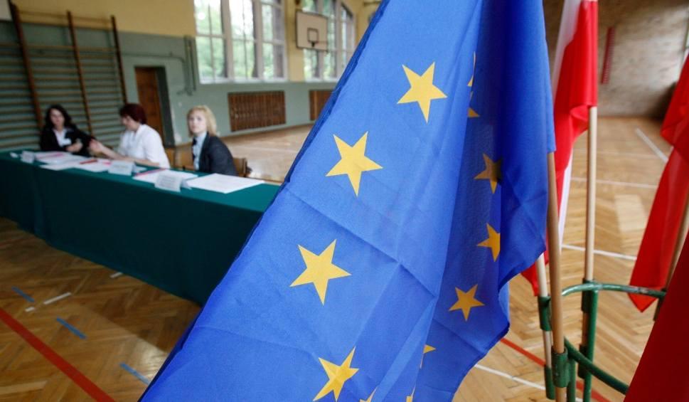 Film do artykułu: Wybory do Parlamentu Europejskiego 2019. Jest praca w komisjach wyborczych. Ile można zarobić za pracę w komisji?