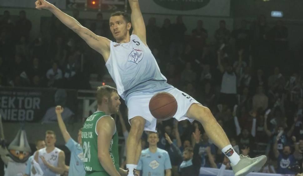 Film do artykułu: Stało się! Koszykarze Stelmetu Enei BC Zielona Góra przegrali drugi mecz w Energa Basket Lidze [ZDJĘCIA]