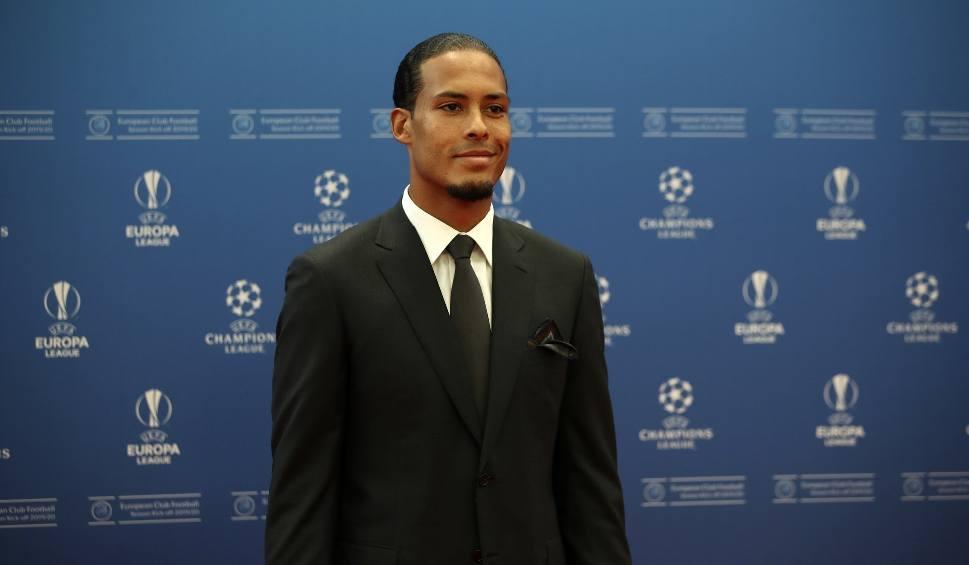 Film do artykułu: Virgil van Dijk piłkarzem sezonu 2018/19. Pokonał Messiego i Ronaldo. UEFA rozdała nagrody także w innych kategoriach