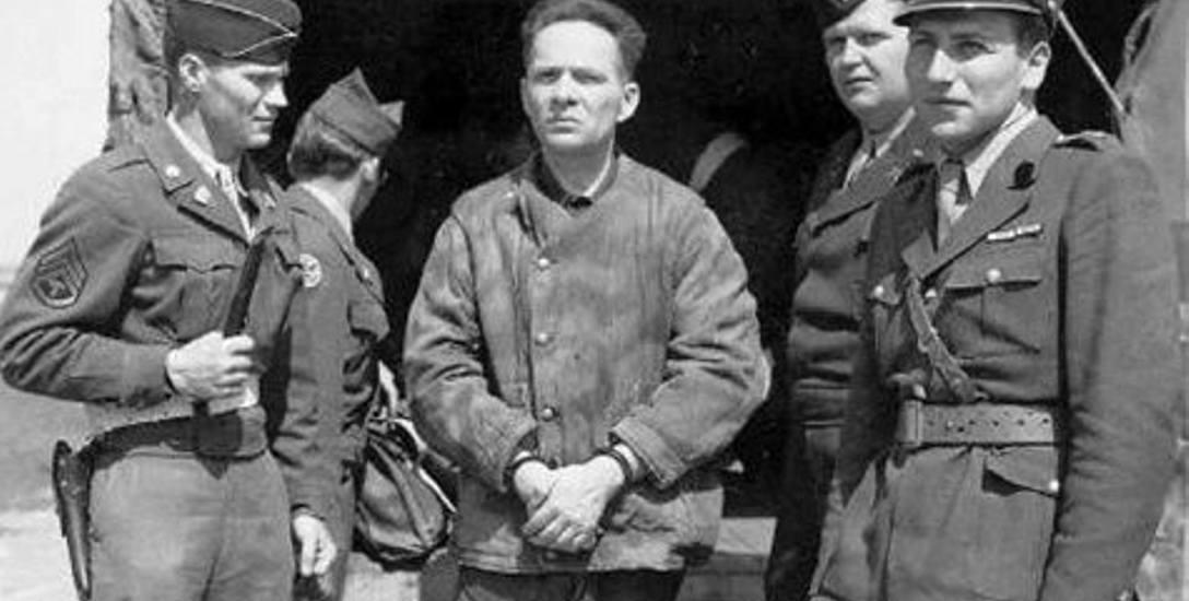 Rudolf Hoess został aresztowany wgospodarstwie Gottrupel. Ukrywał się tam jako Franz Lang