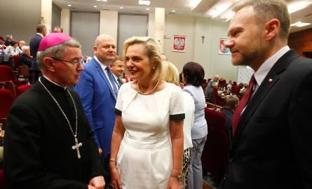Gościem Forum była Anna Maria Anders, senator i sekretarz stanu w Kancelarii Prezesa Rady Ministrów. Na zdjęciu w towarzystwie biskupa Jana Wątroby i