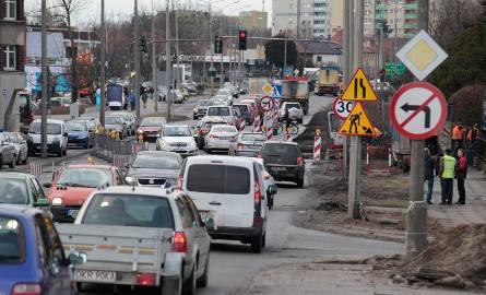 Opolskie Zaodrze stanęło w korku. Ruszył remont ulicy Niemodlińskiej w Opolu.