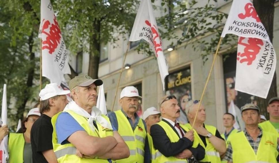 Film do artykułu: Pikieta w Warszawie. Górnicy JSW żądają dymisji ministra energii