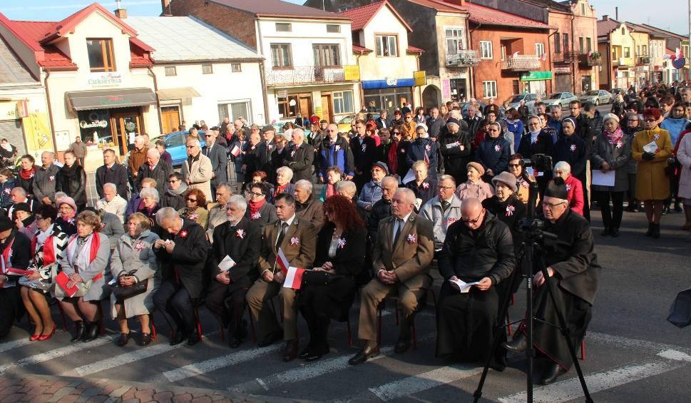 Film do artykułu: Wyśpiewana radość z Niepodległej podczas obchodów w Rudniku nad Sanem