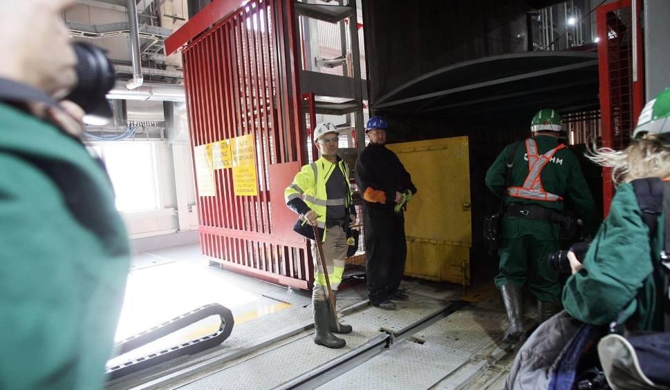 Film do artykułu: Koronawirus w kopalniach JSW: 381 nowych zakażeń wśród górników w ciągu doby. Już ponad 2500 tysiąca z pozytywnym wynikiem