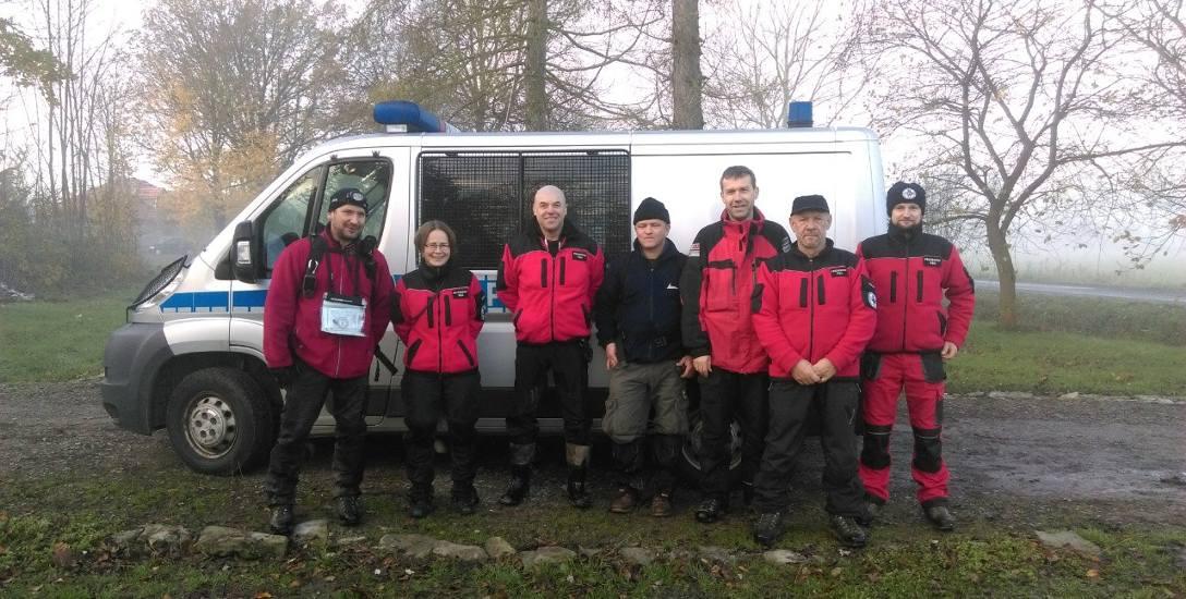 Sobotnia akcja w Korniaktowie zakończyła się po godz. 6 rano. Ratownikom z psami udało się odnaleźć zaginionego 15-latka. W tym roku uczestniczyli już