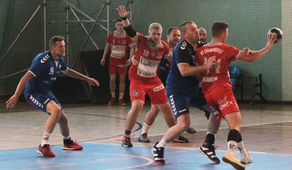 Film do artykułu: Piłka ręczna. Uniwersytet Radom wygrał z Orlętami Zwoleń w ostatnim sparingu przed rozpoczęciem zmagań ligowych