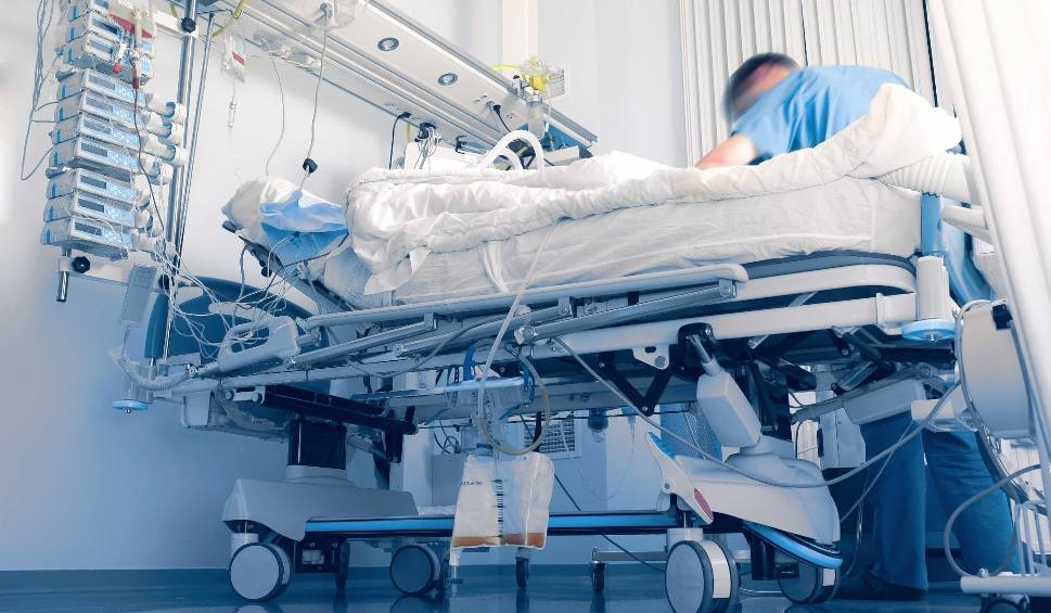 Film do artykułu: Nie żyje postrzelony 16-latek z Jaworzna. Zmarł w szpitalu. Nie udało się go uratować