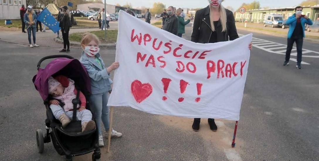 Sobotni protest - spacer  kilkuset pendlerów na południowych i zachodnich granicach Polski