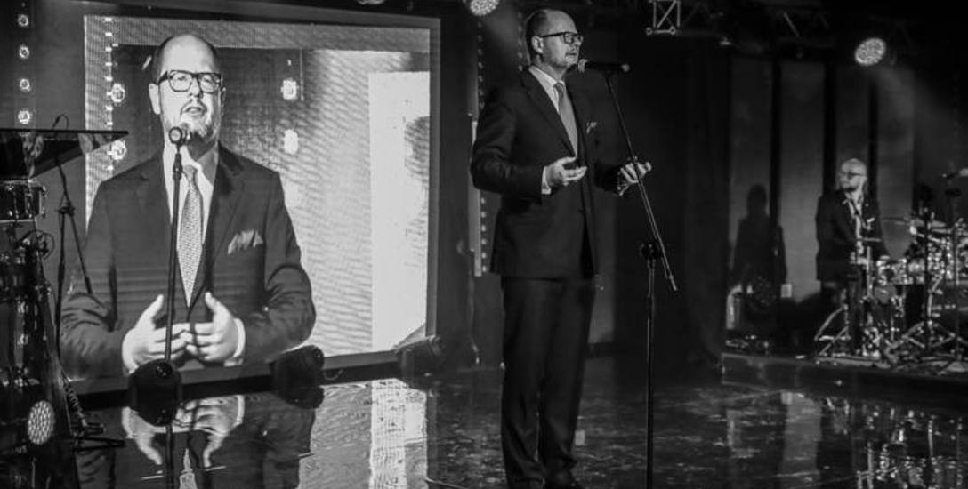 13 stycznia 2019r. podczas finału Wielkiej Orkiestry Świątecznej Pomocy Pawła Adamowicza zaatakował nożownik, zadając mu trzy ciosy. Prezydent Gdańska