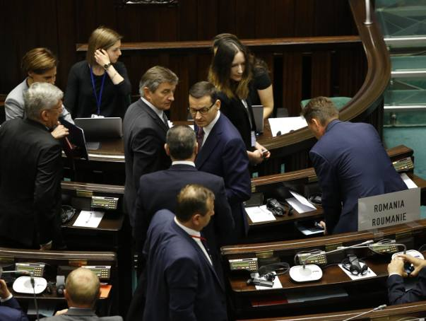 IBRiS: Zmiana w rankingu zaufania do polityków. Premier Mateusz Morawiecki wyprzedził prezydenta Andrzeja Dudę