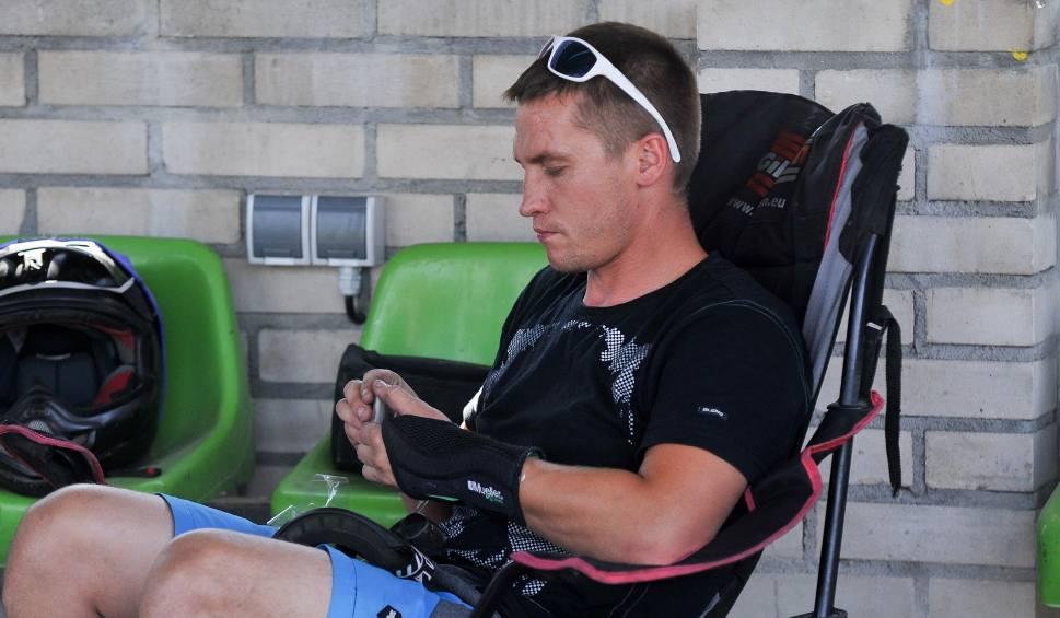 Film do artykułu: 2 liga. Marcin Rempała podczas upadku z Nicklasem Porsingiem doznał złamania obojczyka - teraz czeka go przerwa w startach