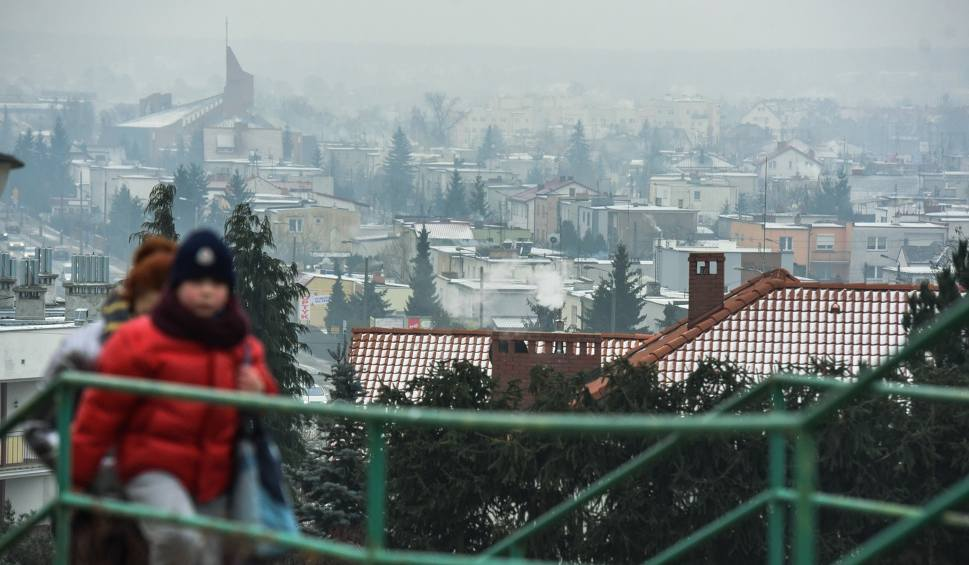 Film do artykułu: Smog wisi nam nad głowami. Złe powietrze truje. I zabija