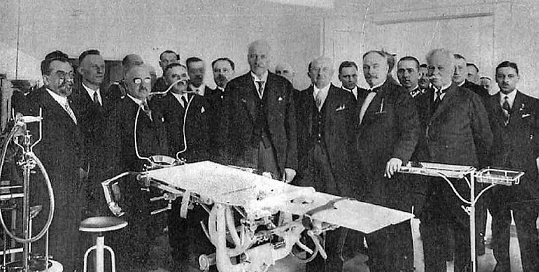 Początki Łódzkiej Medycyny, kto był pierwszym lekarzem, a kto akuszerką?