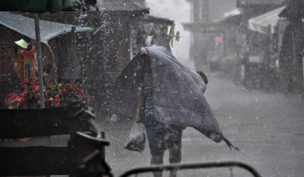 Film do artykułu: IMGW informuje: Od wtorku załamanie pogody. Czeka nas powrót deszczu ze śniegiem