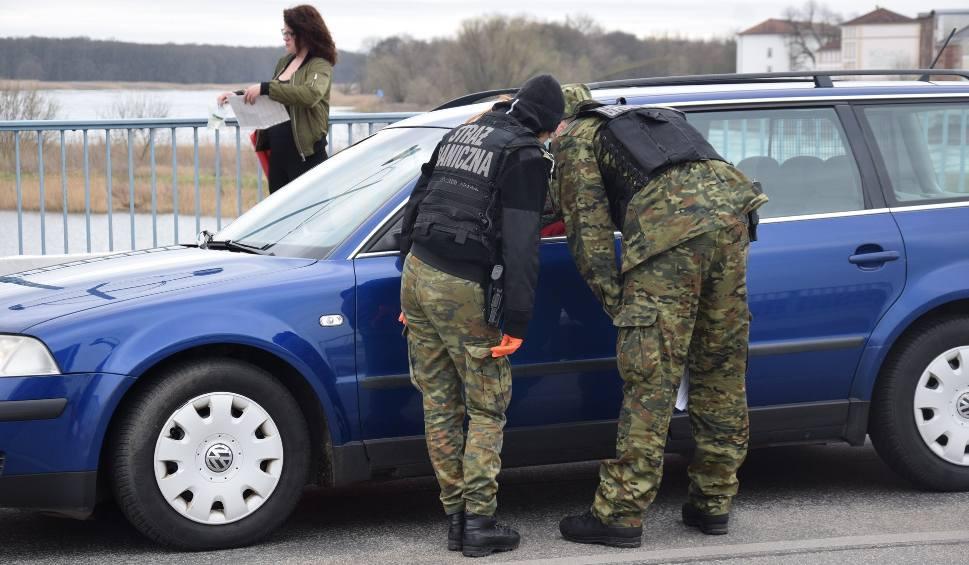 Film do artykułu: Z bliskimi dzieli ich tylko most w Słubicach. Chcąc utrzymać rodziny, postanowili zostać po drugiej stronie granicy. Pracują w Niemczech