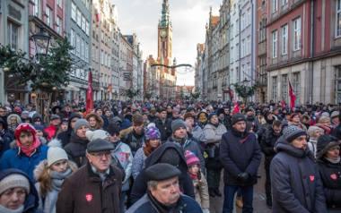 Gdańsk pożegnał swojego prezydenta. Poruszające uroczystości w Gdańsku, tysiące ludzi w Bazylice i na ulicach miasta