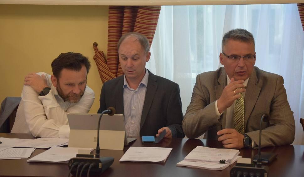 Film do artykułu: ZIELONA GÓRA: Prezydent Janusz Kubicki zapewnia, że wszyscy uczniowie dostaną się do szkół