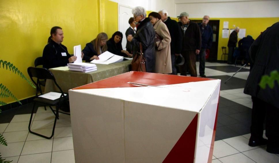 Film do artykułu: Wybory samorządowe 2018. Tysiące osób dopisało się do rejestru wyborców w Krakowie