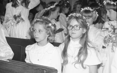 Komunii w maju nie będzie. Jak wyglądały kiedyś? Tak dawniej ubierano dzieci przystępujące do Pierwszej Komunii Świętej