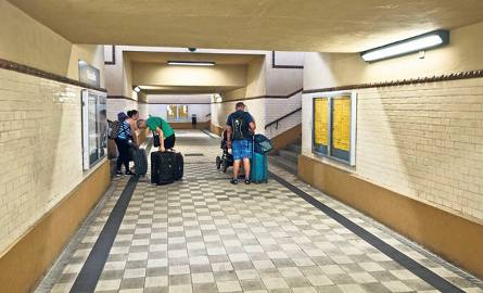 Pisaliśmy i pokazywaliśmy na zdjęciach stan  koszalińskiego dworca PKP - nic nowego, sypie się i jest fatalną wizytówką miasta.