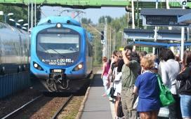 Z Bielska-Białej można dojechać bezpośrednio m.in. do Zwardonia, do Cieszyna połączenia nie ma.