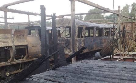 Pożar kolejki parkowej w Myślęcinku [zdjęcia]
