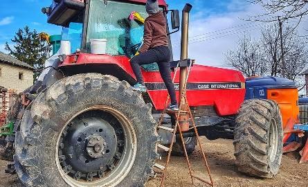 Rolnik haruje najciężej? Ma więcej przepracowanych godzin niż górnik [dane GUS]