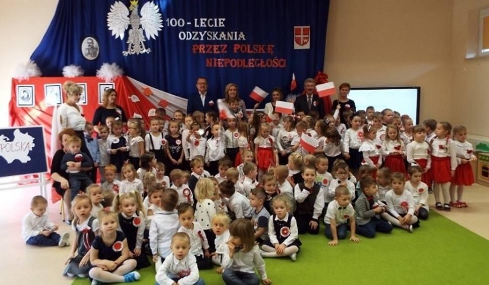 Film do artykułu: Tegoroczne Narodowe Święto Niepodległości świętowano w gminie Oleśnica przez cztery dni [ZDJĘCIA]
