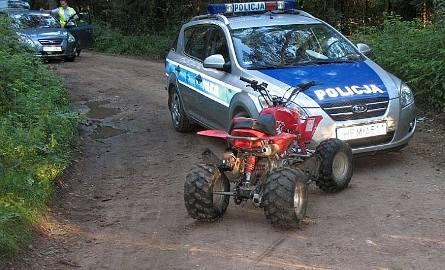 Policyjny radiowóz ma uszkodzony zderzak