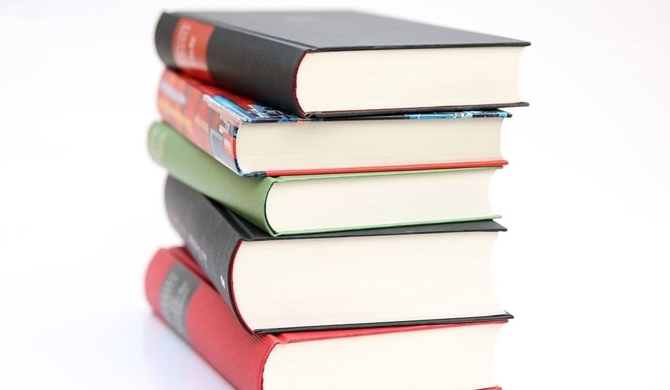 Film do artykułu: Młodzieżowa Rada w Radoszycach będzie w nietypowy sposób popularyzować czytelnictwo
